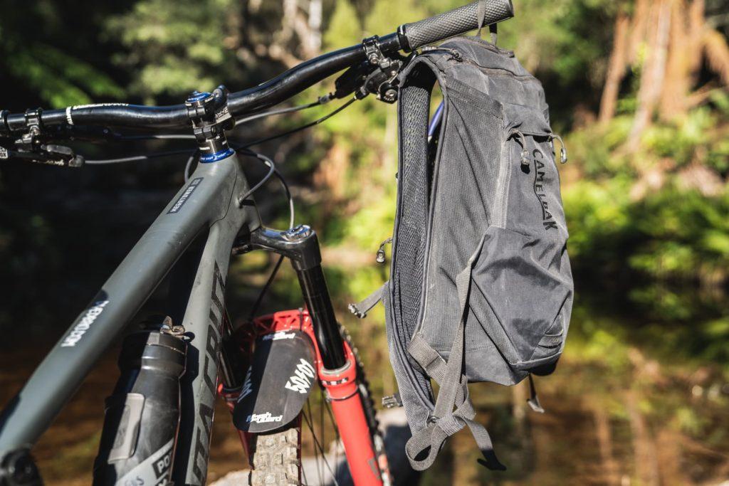 plecak na rower jest zgrabny i funkcjonalny